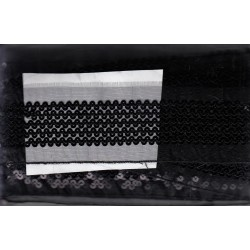 Taśma z haftem cekinowym czarna C-010
